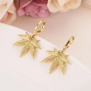 Jewelry - Weed cannabis earrings